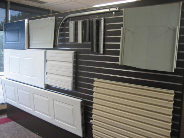 Exceptionnel Whether You Want To Repair Or Replace A Single Panel, Or You Need A Whole  New Garage Door, We May Help You Get The Correct Door At The Best Rate .